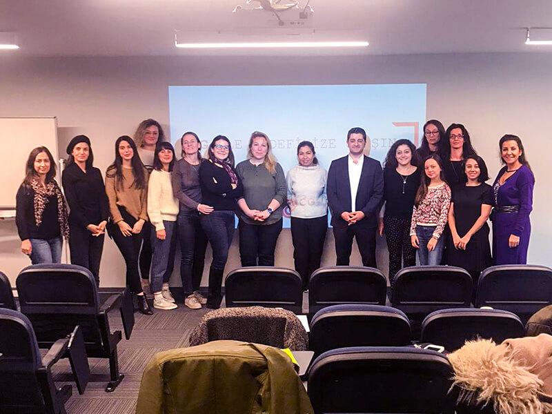 6-kasim-2019-bizbizze-kadin-girisimciler dijital pazarlama eğitimi etkinlik görseli